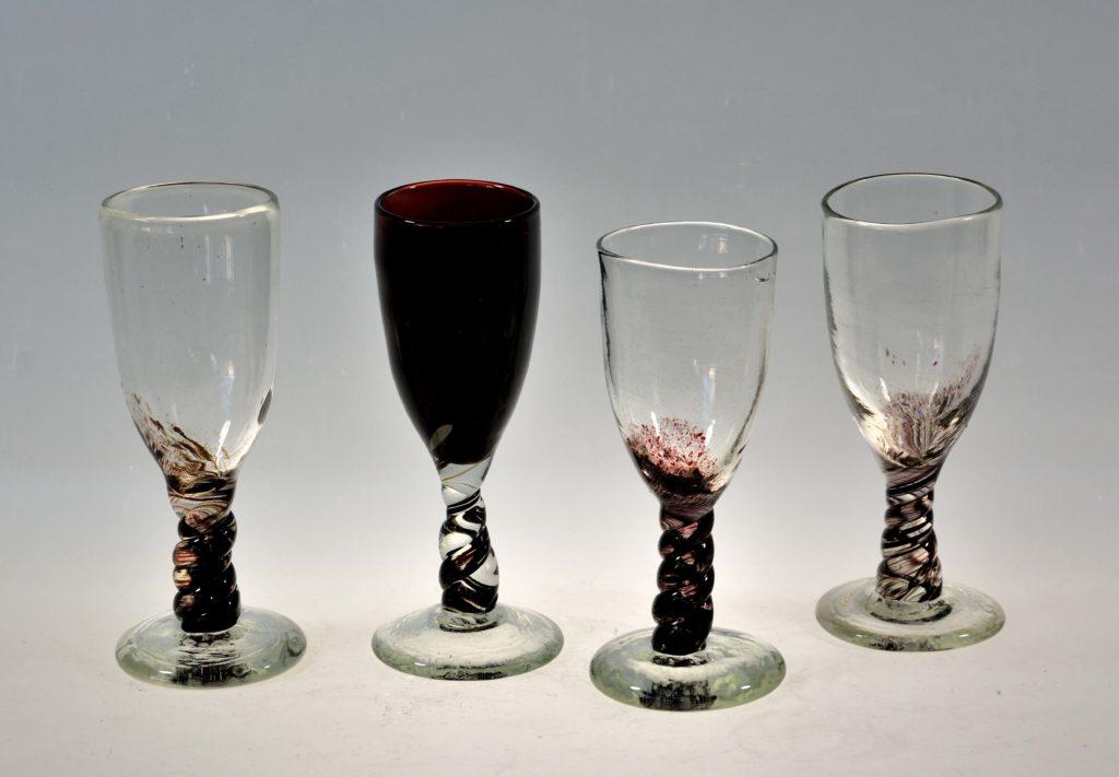 Veiniklaasid, h 18 cm